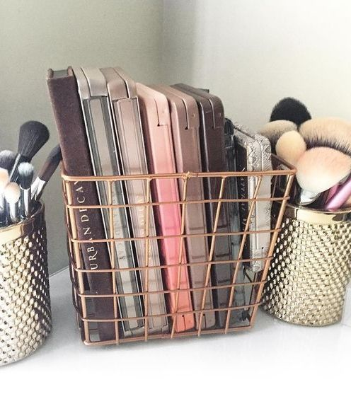 Keep all your makeup palettes on display and within reach by storing them in coo...