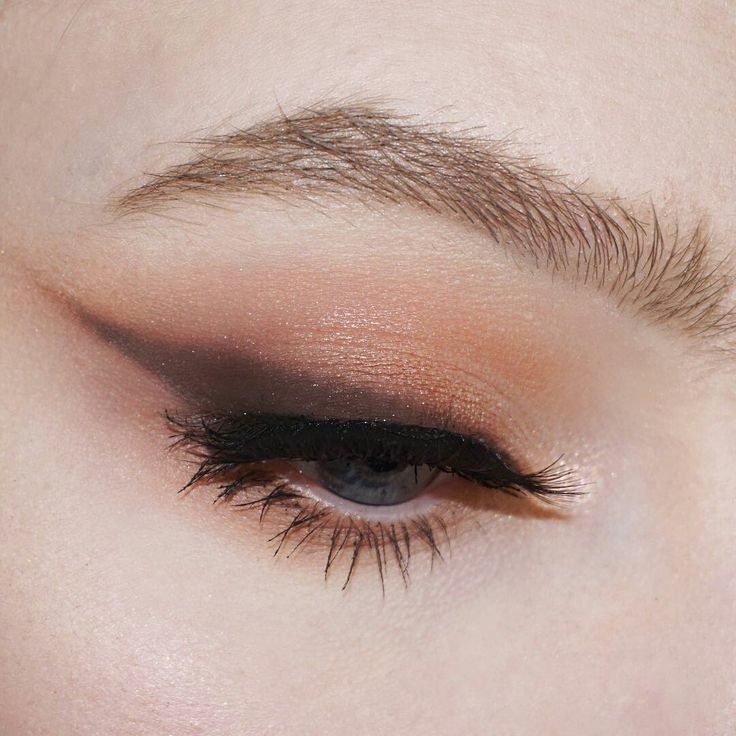 Long wings have been a part of Western makeup for a long time and has also made ...
