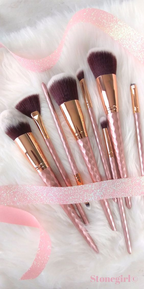 These makeup brushes are almost too pretty to use! This gorgeous 8 Piece set inc...