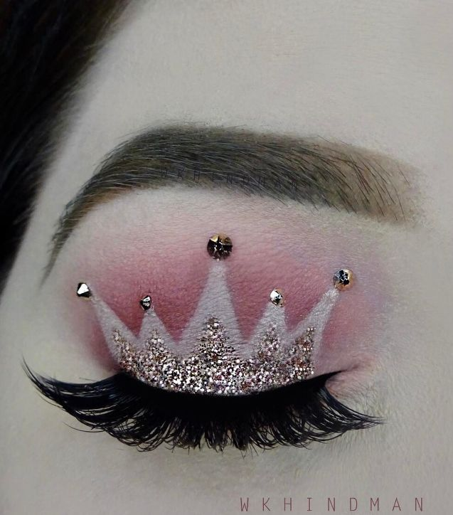 This crown makeup trend is going viral for a reason....