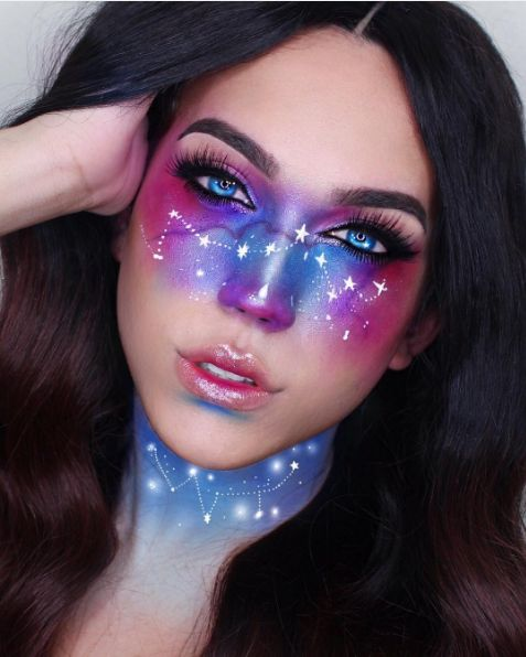 We're starry-eyed over this intricate constellation makeup.  #refinery29 www.ref...