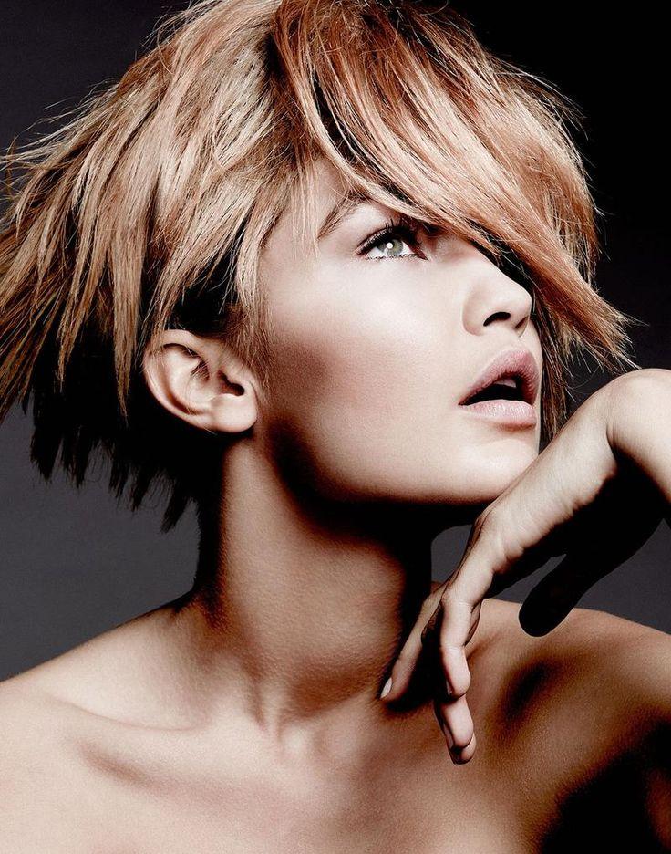 Gigi Hadid Beauty (Portrait)