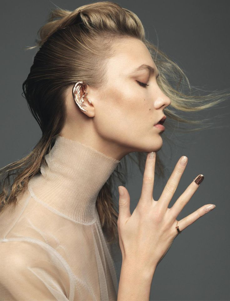 In every picture, a poem: Une fille en or Karlie Kloss by Nico Bustos Elle...