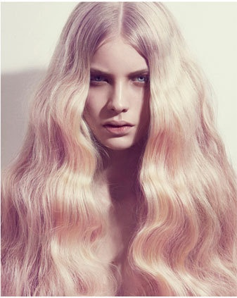 oh how i dream of having hair like this. blonde and wavy.