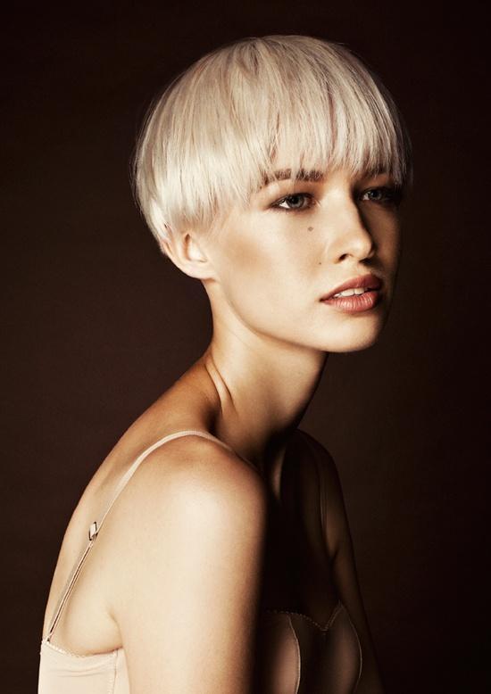 Women's Short Hair Cut - Shattered - Color - Platinum Blonde - Marie Uva Rok...