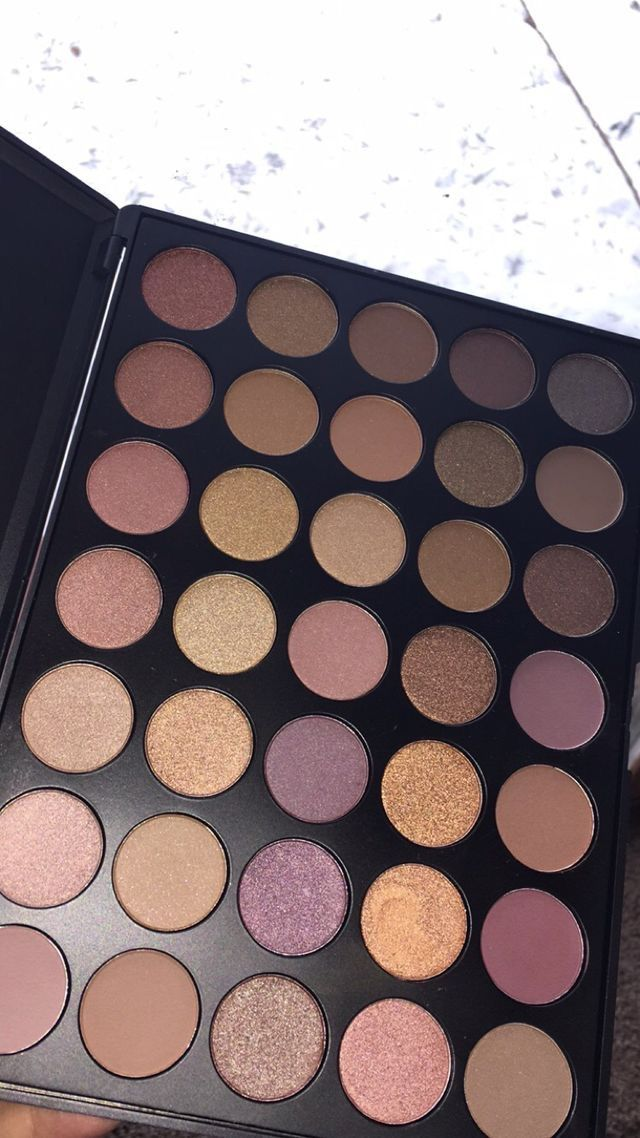 Get the app mercari for high end makeup for a discount/free! Just use the code G...