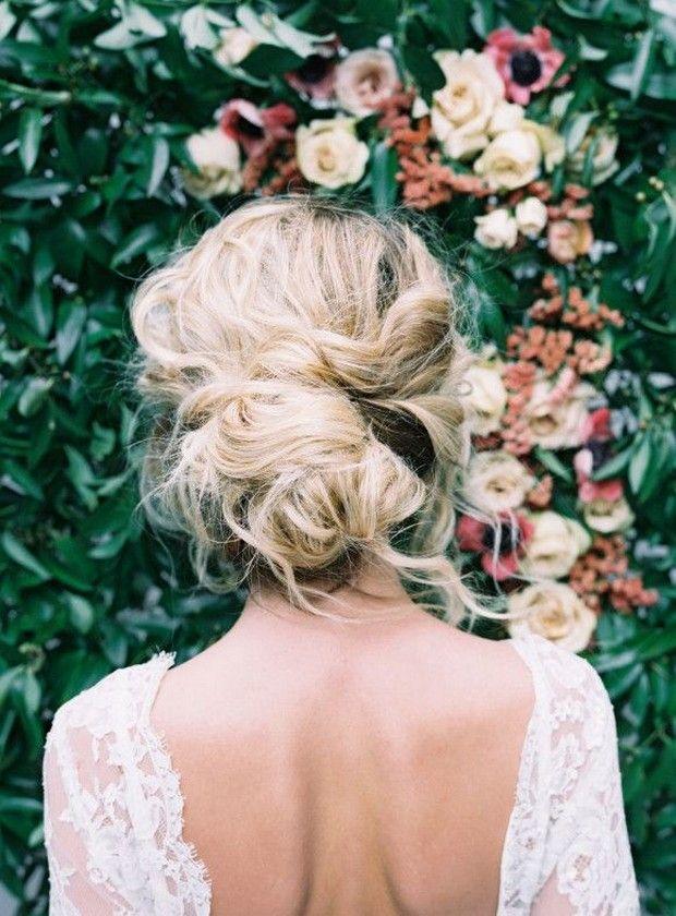 16 Seriously Chic Vintage Wedding Hairstyles | soft loose wedding hair boho brid...