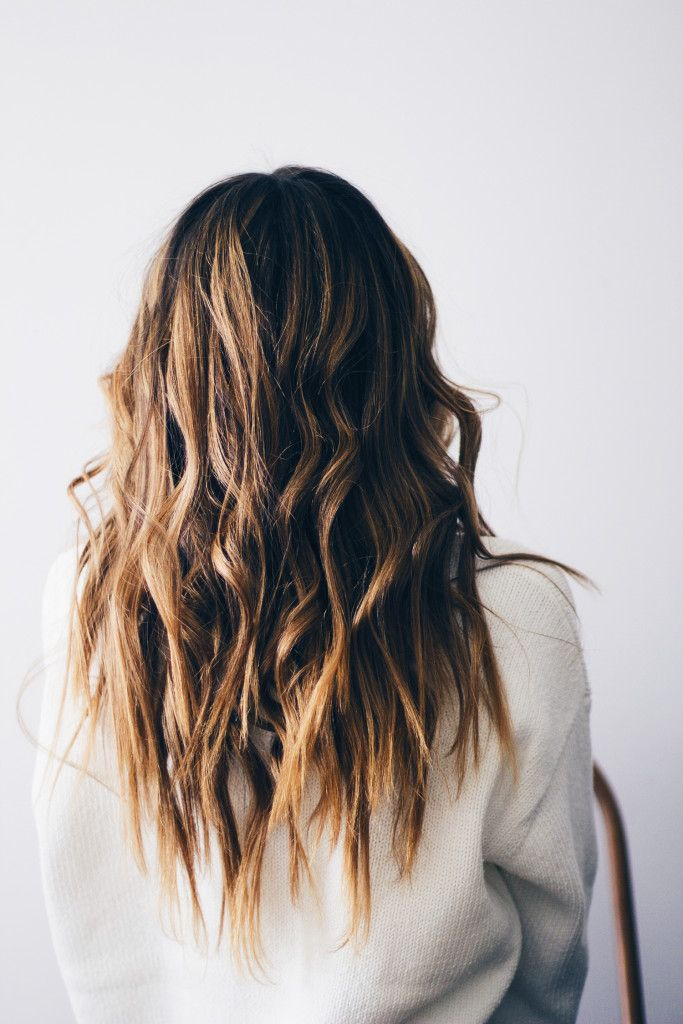 beachy waves hair tutorial.