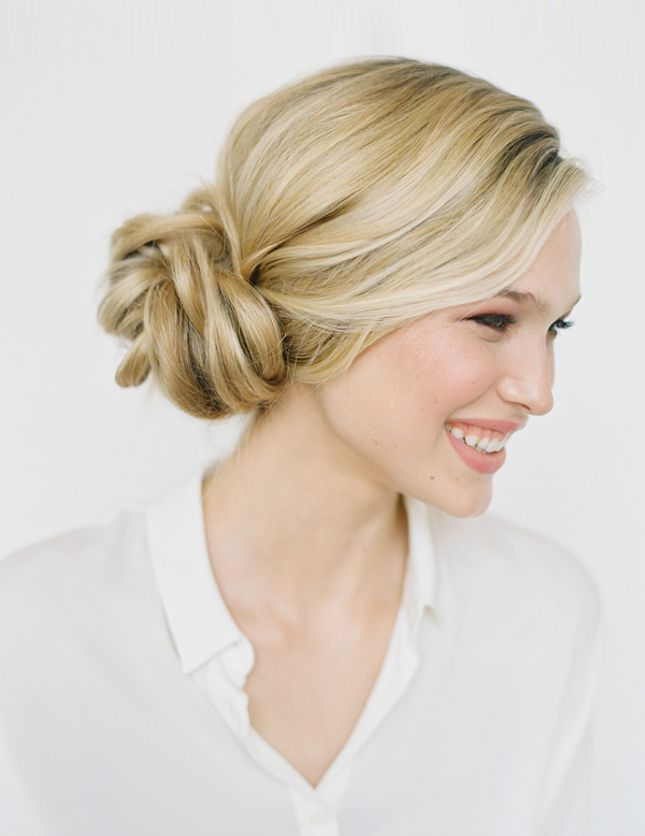 Bookmark this for easy, 5-minute hairdo ideas that will transform your morning r...