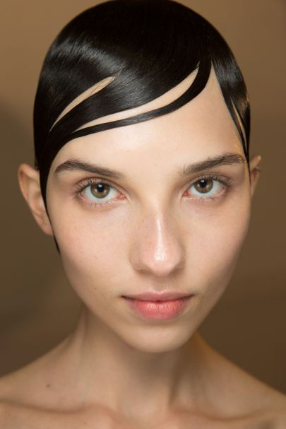 Go close-up on the best hair and make-up from the spring/summer 2017 fashion sho...