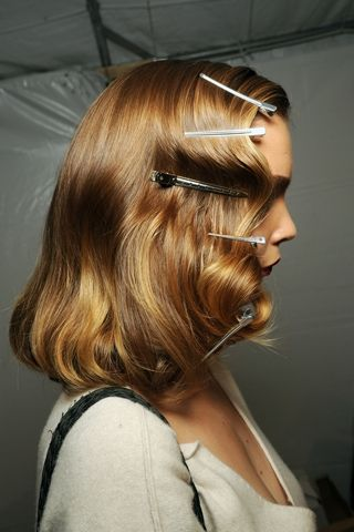 How to create waves a la the 1940s. www.hair.becomego...