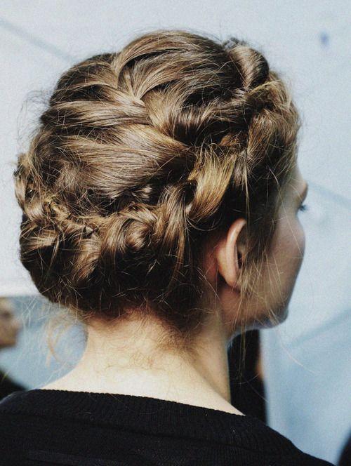 seabois:    Valentino hair details