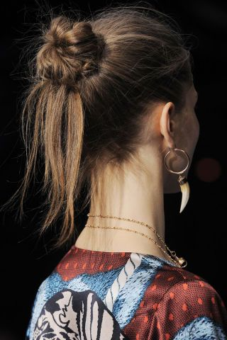 The Best Beauty Looks from London and Milan Fall 2016 - Runway Hair and Makeup F...