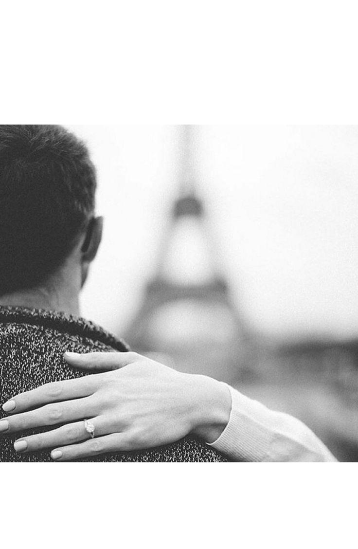 A #smpringselfie in Paris: www.stylemepretty...