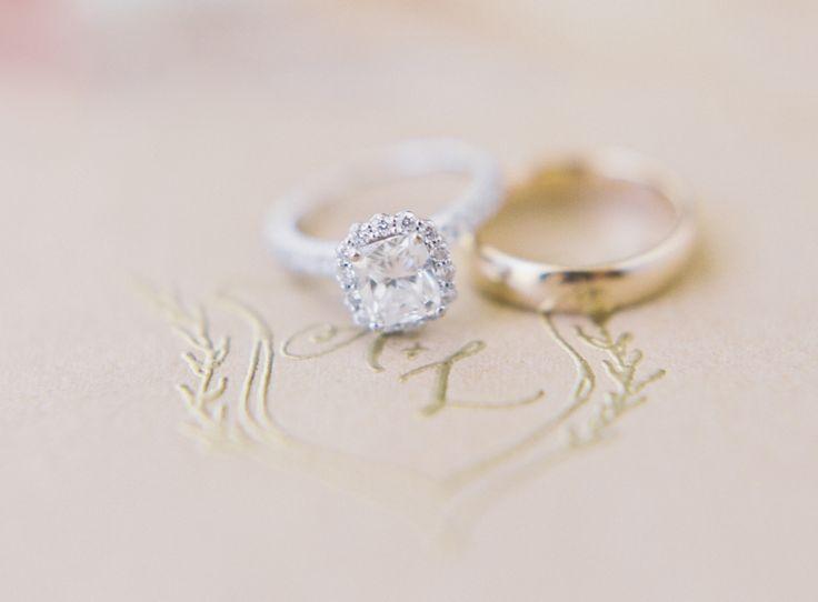 Flower halo engagement ring: www.stylemepretty...   Photography: Sawyer Baird - ...