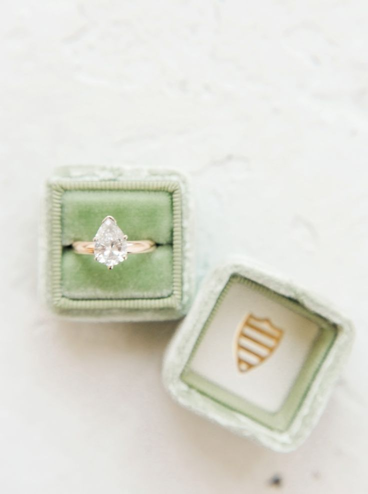 Gold engagement rings: www.stylemepretty...