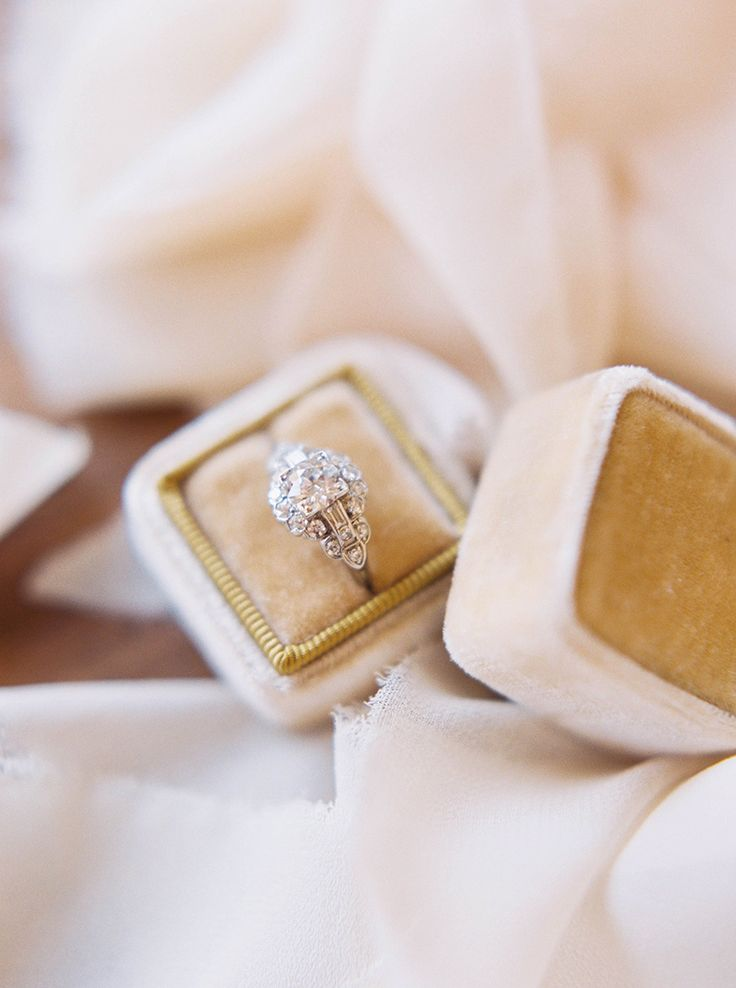 25 Tips on What You Should (And Shouldn't) Do Once You're Engaged: www.stylemepr...