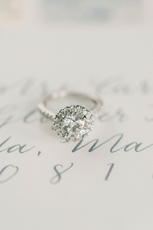 Sparkling halo engagement ring: www.stylemepretty... | Photography: Elizabeth Fo...