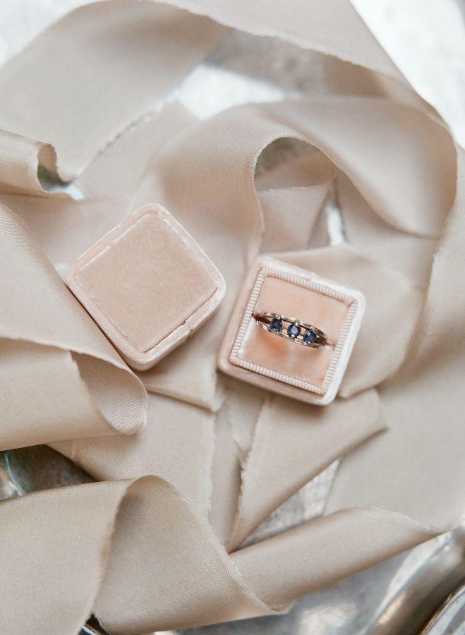 Three-stone sapphire ring: www.stylemepretty... | Photography: Sophie Epton Phot...