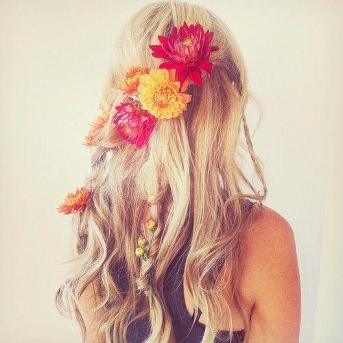 #flowers #hair #blonde #wavy
