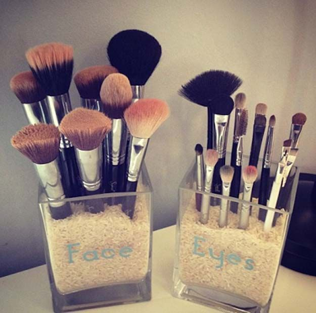 DIY Makeup Storage and Organizing - DIY Makeup Brush Storage - Awesome Ideas and...