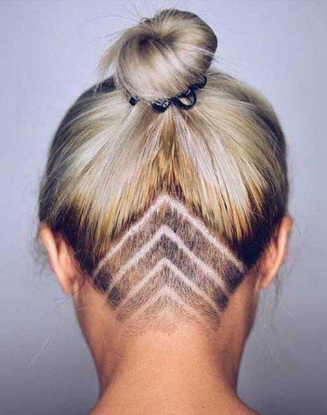 Le hair tattoo, une coiffure proche de l'art du tatouage, qui permet de dess...