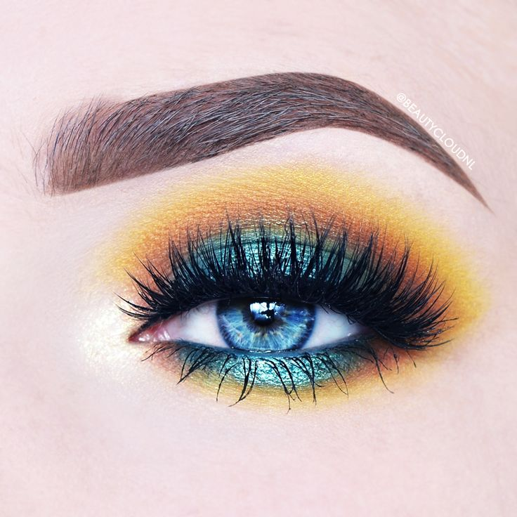 Makeup Geek Duochrome Eyeshadow in Voltage + Makeup Geek Eyeshadows in Cocoa Bea...