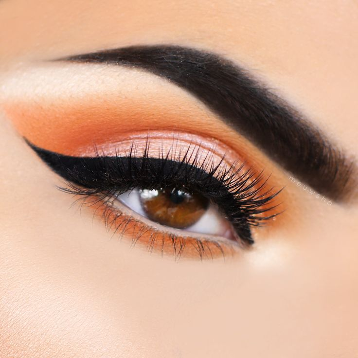 Makeup Geek Eyeshadows in Chickadee, Morocco, Peach Smoothie and Vanilla Bean + ...