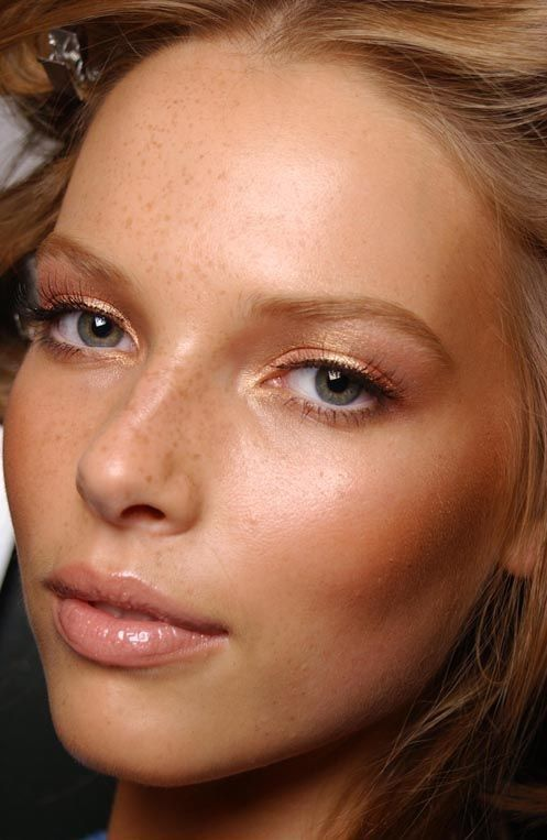 Use this product for glowing skin all summer long. Hint: incorporating this face...