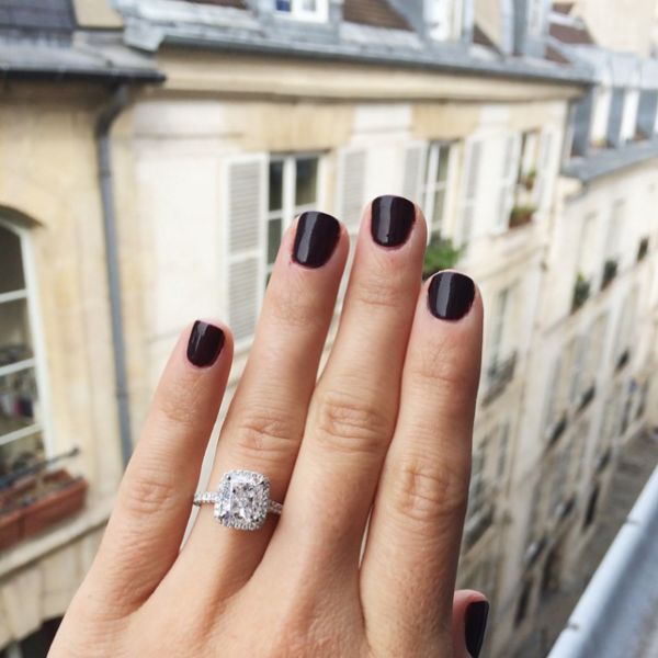 Best-ever blogger ring selfies: www.stylemepretty...
