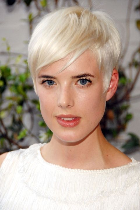 10 of the best blonde pixie haircuts of all time: