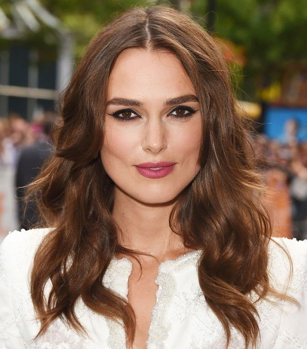 Can't get enough of Keria Knightley's long, feathered layers