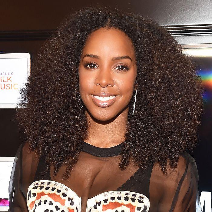 Kelly Rowland's curls