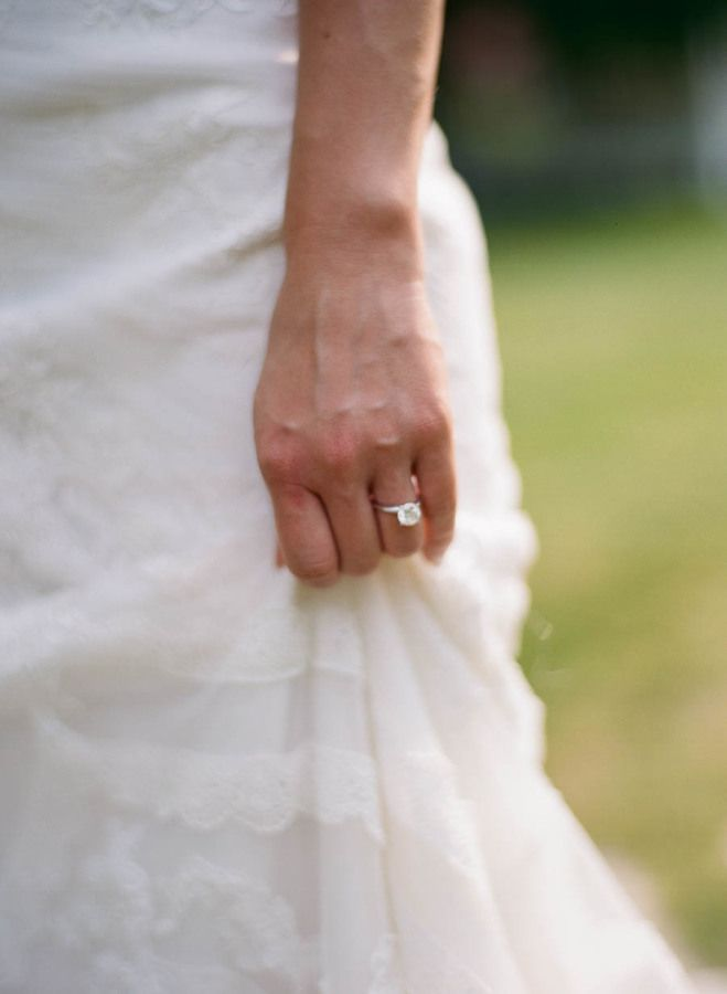 Pretty solitaire engagement ring: www.stylemepretty... | Photography: Kate Weins...
