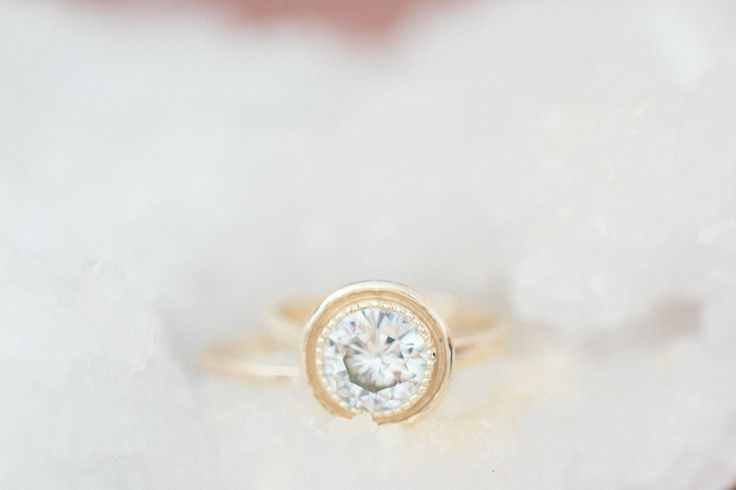 Round diamond: www.stylemepretty...