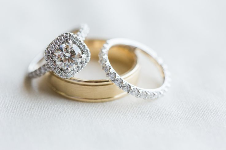 Square halo ring: www.stylemepretty... | Photography: Justin DeMutiis - justinde...