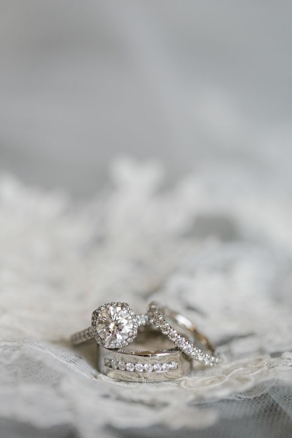 Stunning diamond halo engagement ring: www.stylemepretty... | Photography: Jasmi...