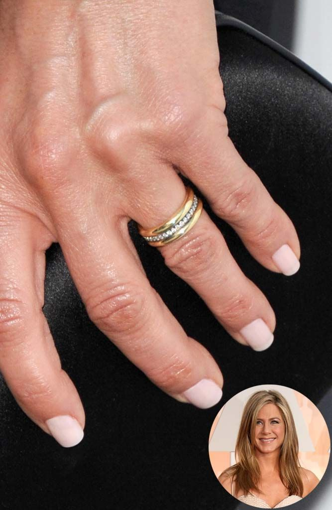 The celeb wedding ring we're gushing over: www.stylemepretty... | Photography: G...