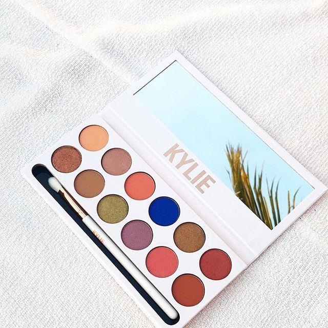Kylie Jenner Royal Peach KyShadow Palette   StyleCaster
