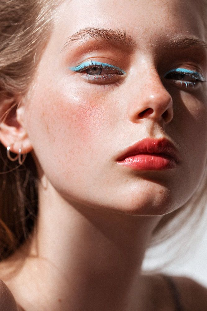 Lauren de Graaf photographed by Tom Newton for Into the Gloss (Josie Maran Argan...