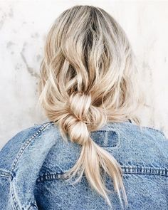 Need to try this loose ponytail braid ASAP.