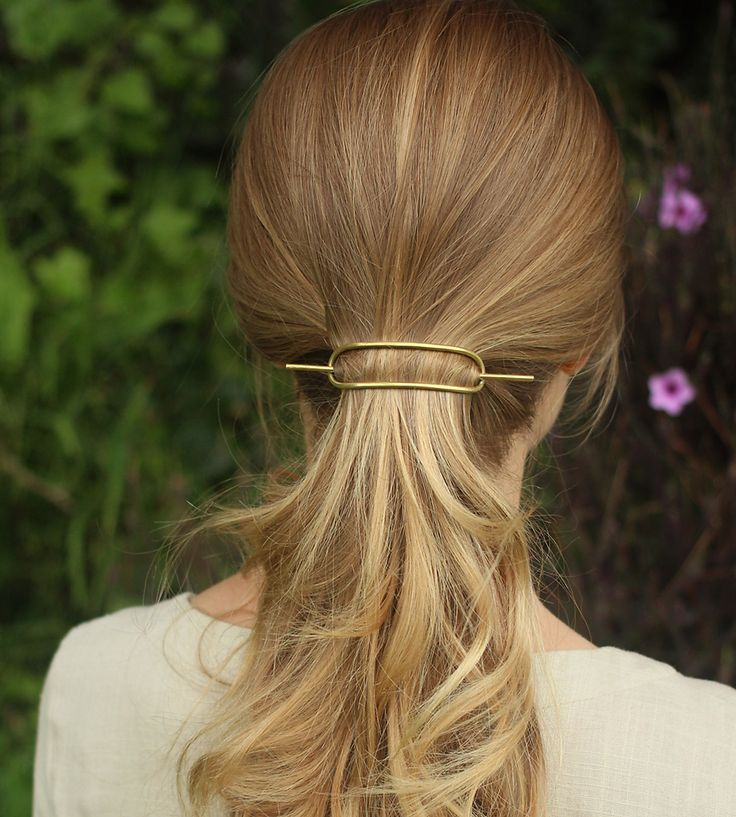 Best Hairstyles For 2017 2018 This Minimalist Hair Barrette Holds Hairdos Or Ponytails Securely Flashmode Middle East Middle East S Leading Fashion Modeling Luxury Agency Featuring Fashion Beauty Inspiration Culture