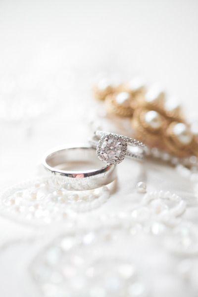 A square cut diamond: www.stylemepretty...   Photography: Christine Foehrkolb - ...