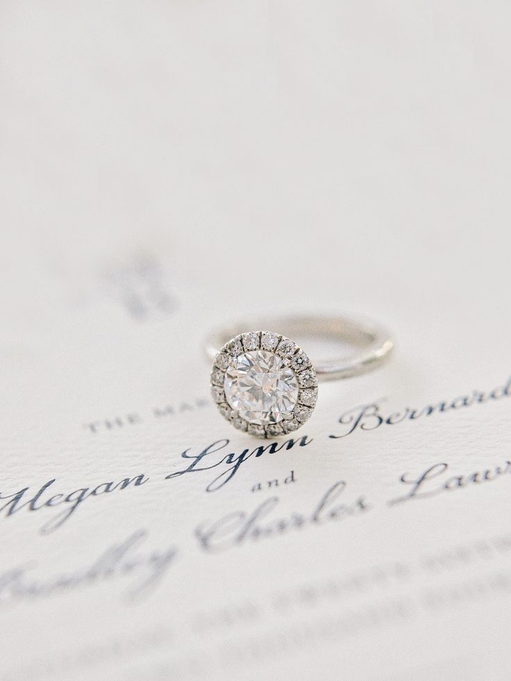 Classic round cut ring   Read More: www.stylemepretty...   Photography: Amy Arri...
