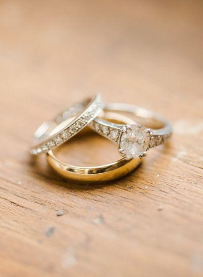 Cozy Hudson, NY Barn Wedding: www.stylemepretty...   Photography: Rebecca Yale -...