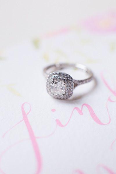 Glam ring: www.stylemepretty...   Photography: Le Secret D'Audrey - www.lesecret...