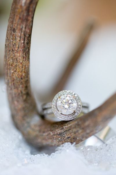 Round cut engagement ring: www.stylemepretty...   Photography: Amy & Jordan - ww...