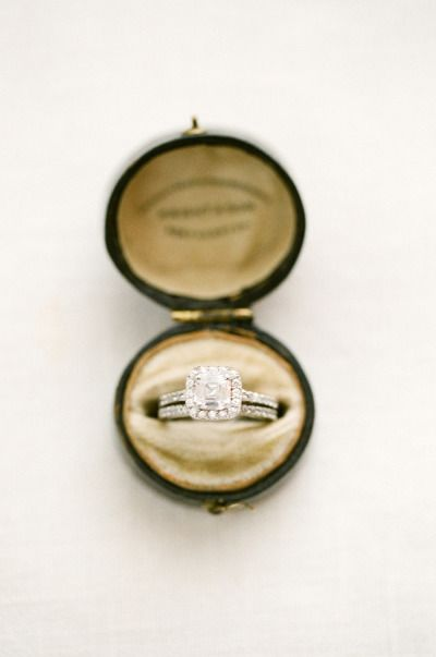 Square cut diamond in a round vintage box: www.stylemepretty... | Photography: K...