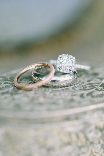 Beautiful diamond ring: www.stylemepretty...   Photography: Jacqui Cole - jacqui...