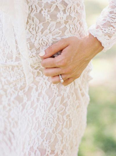 The pretty ring: www.stylemepretty... | Photography: Mariel Hannah - www.marielh...